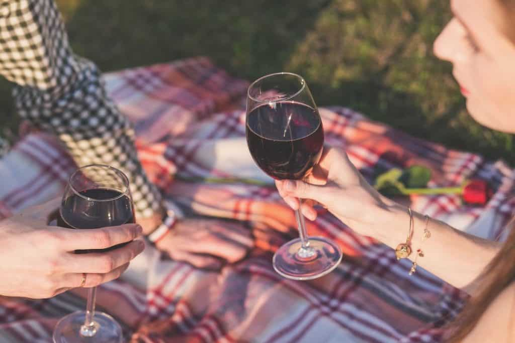 Image: Couple enjoying wine - Mendo Insider Tours